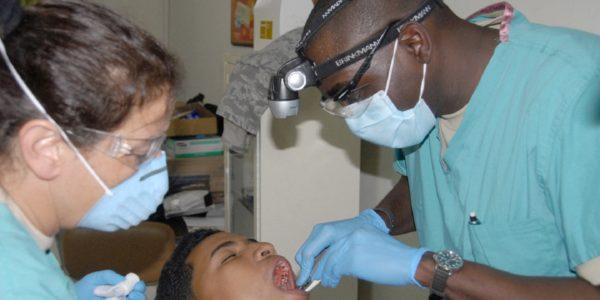 dentist-676421